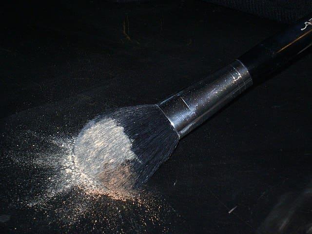la-poudre-translucide